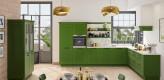 Landhausküche, grün, Eckküche, Steinarbeitsplatte, pulverbeschichtet