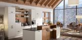 Küche weiß, Inselküche, grifflos, Bartresen